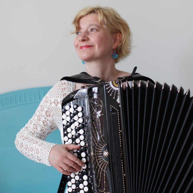 Maria Kalaniemi (FIN), Tuulikki Bartosik (EST) ja Toorama (Mordva) 19.10.2018 kell 19